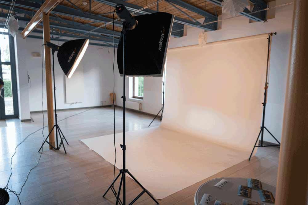 Mobiles Fotostudio aufgebaut bei einem Abiball.